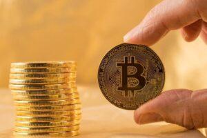 銀行の積立預金よりも、仮想通貨の積立投資を選ぶ人が増えている