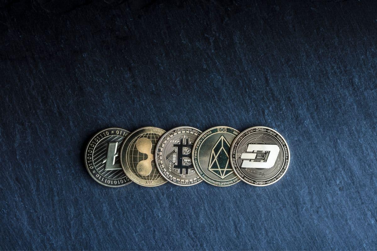 アルトコインに投資するタイミングは?