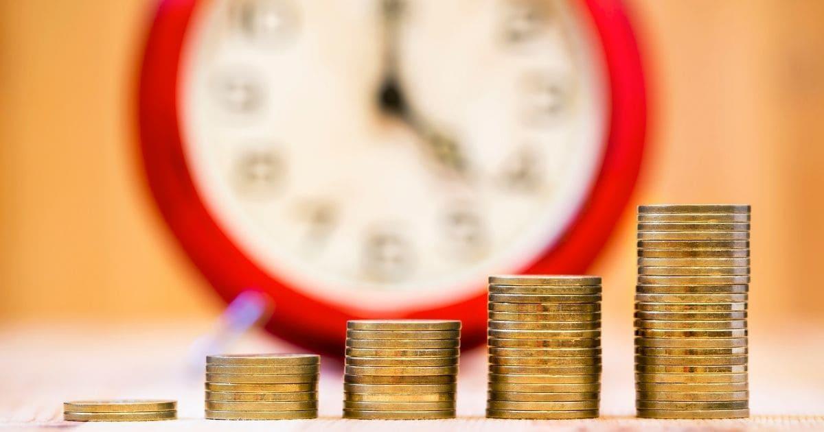仮想通貨の『ステーキング』で、仮想通貨を持つだけで複利運用ができる