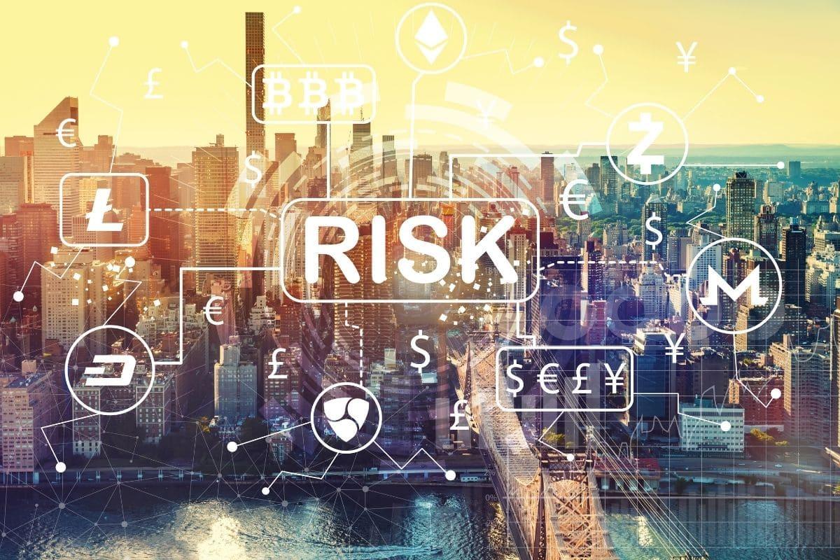 下落時のリスク分散になる