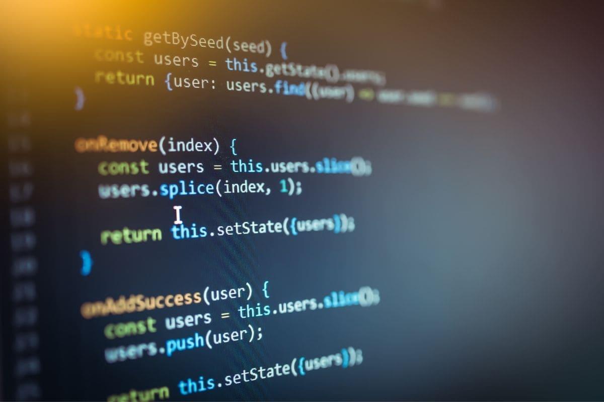 JavaScriptで開発可能