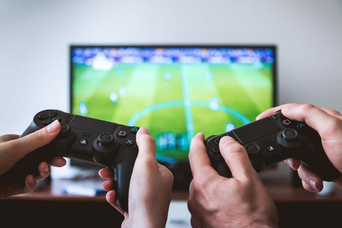 ゲームを遊びながら稼ぐことが可能